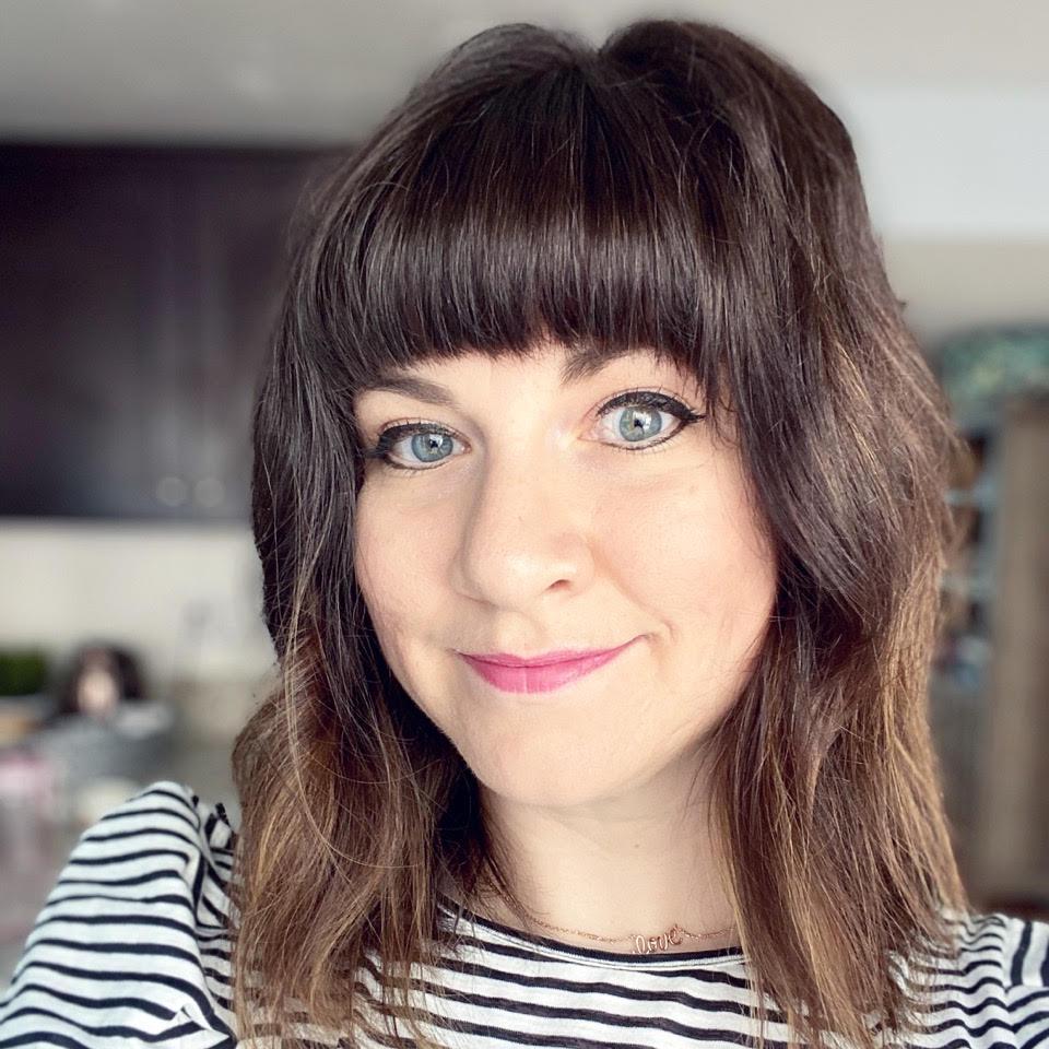 30 Misfits Around the Manger [Joy Vetterlein]